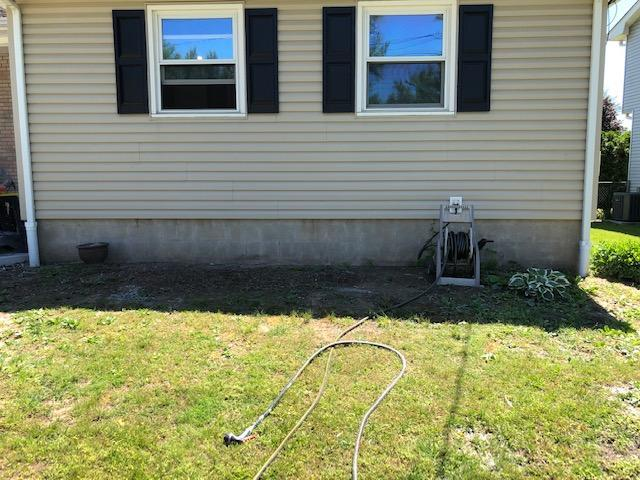 Foundation plantings (before)