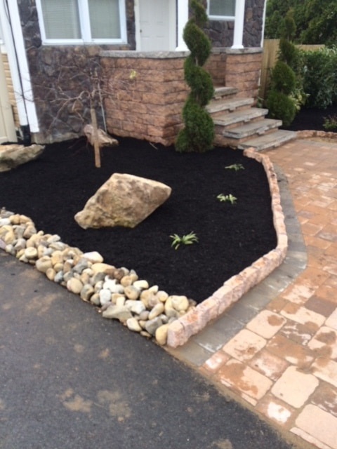 Foundation Bed with dark mulch